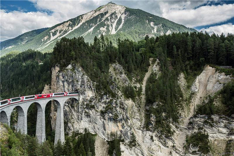 Bild für Glacier Express bei Zermatt (C)GEXAG/Schlumpf
