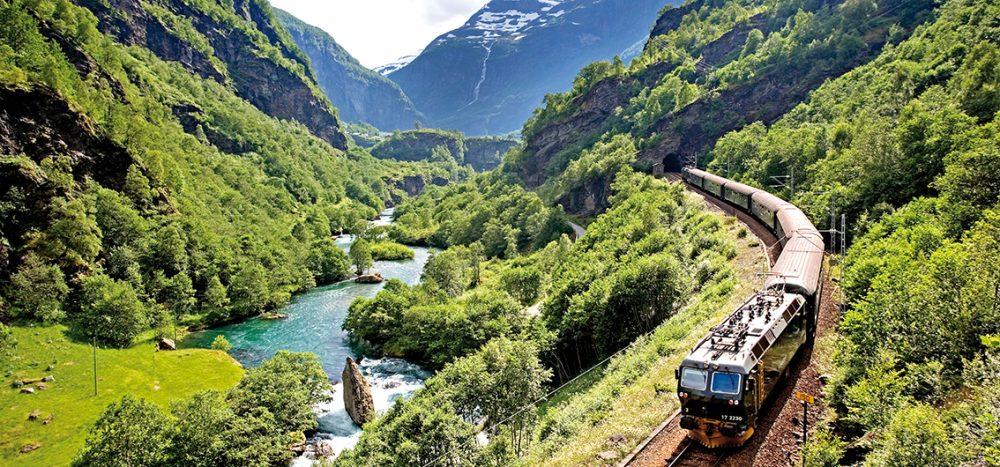 Bild für Skandinaviens Mitternachtssonne Auf den schönsten Bahnstrecken und mit Hurtigruten durch Schweden und Norwegen