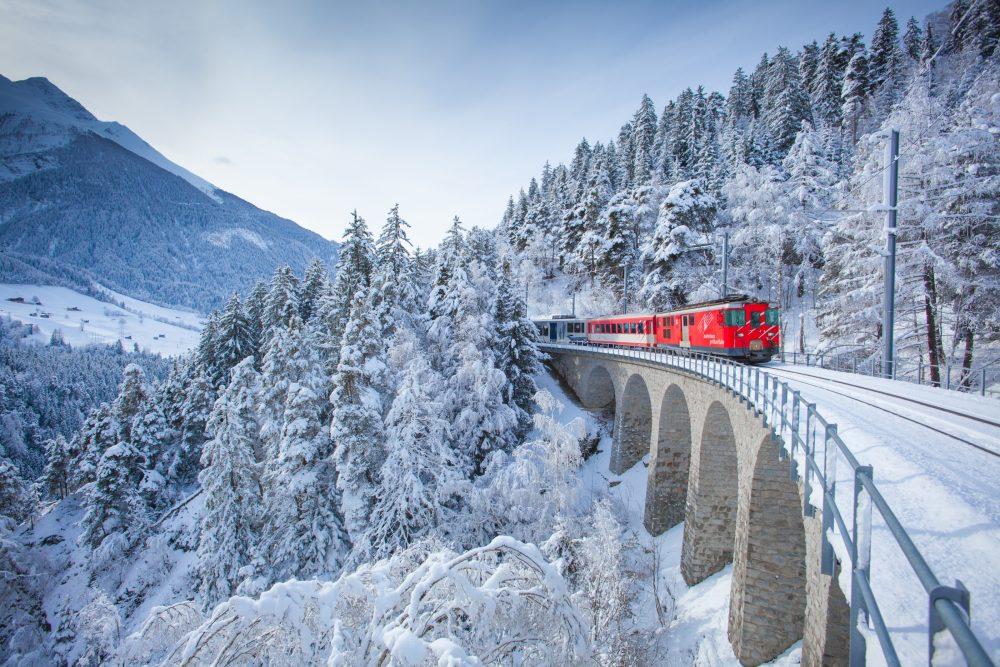 Bild für Matterhorn Gorrhard Bahn im winterlichen Goms