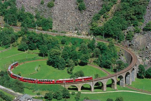 Kreisviadukt Brusio - Berninalinie (C)RhB
