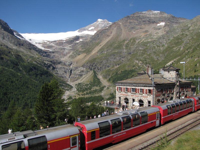 Bernina Express - Alp Grüm (C)RhB