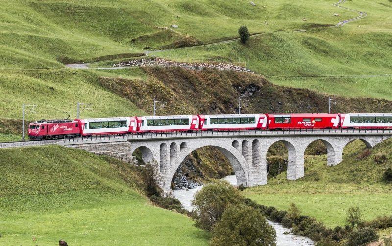 Glacier Express im Urserental (C)MGB/Danuser
