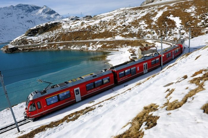Lago Bianco - Bernina Linie (C)RhB