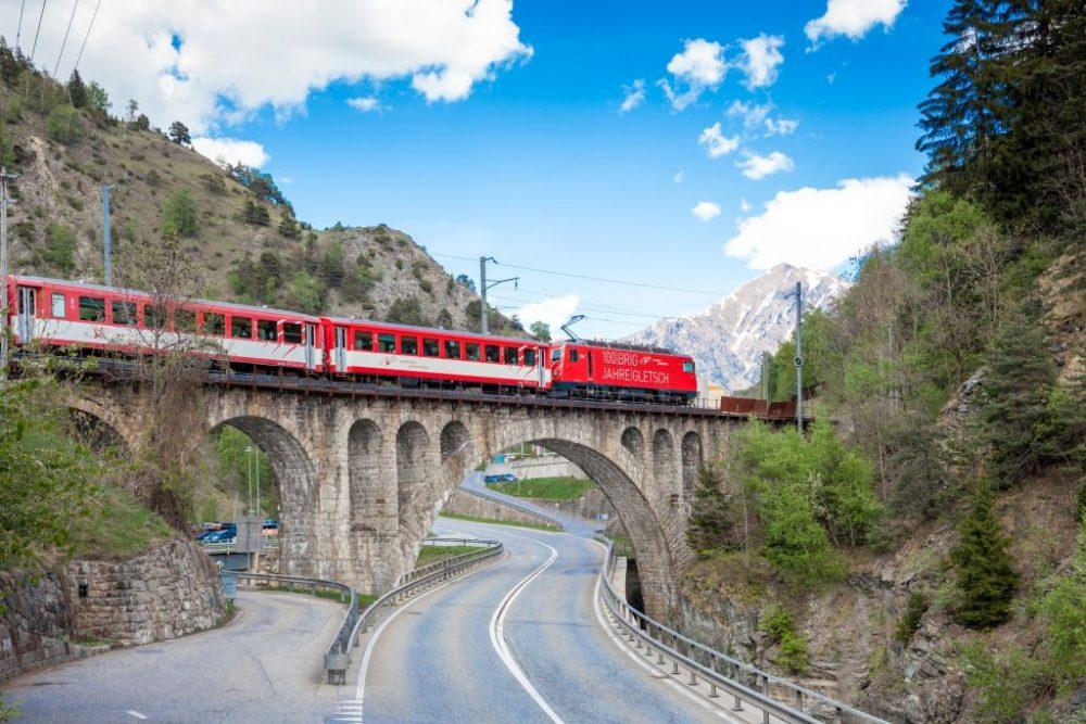 Matterhorn Gotthard Bahn im Urserental (C)MGB