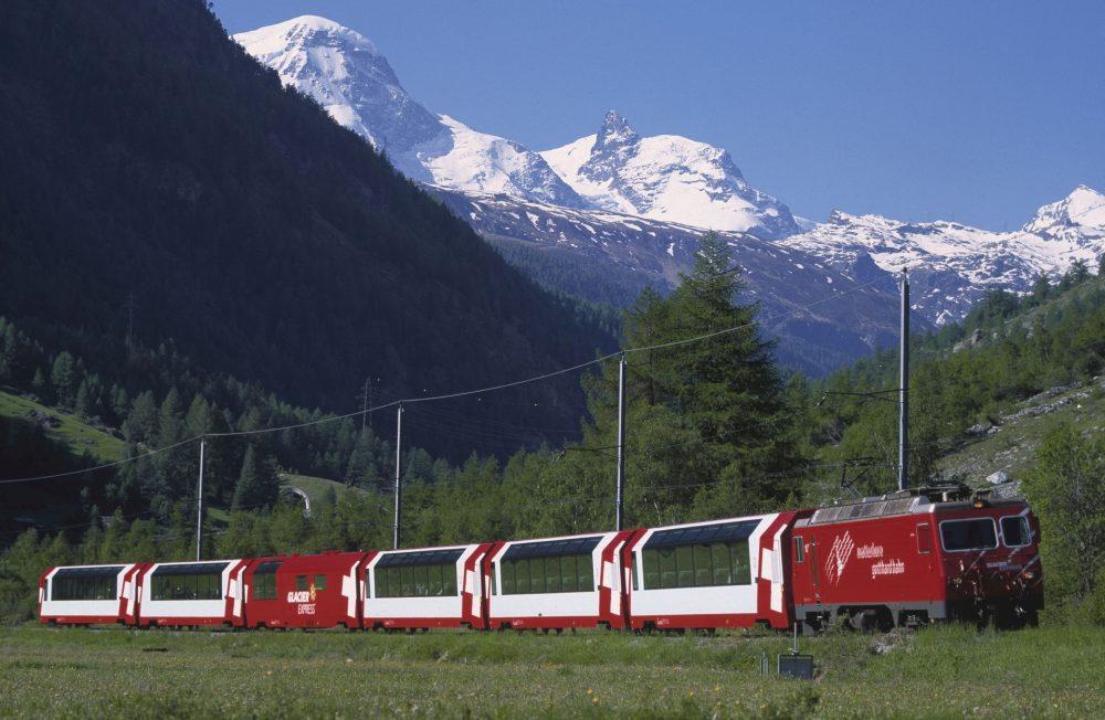 Glacier Express im Rhônetal (C)GlacierExpressAG