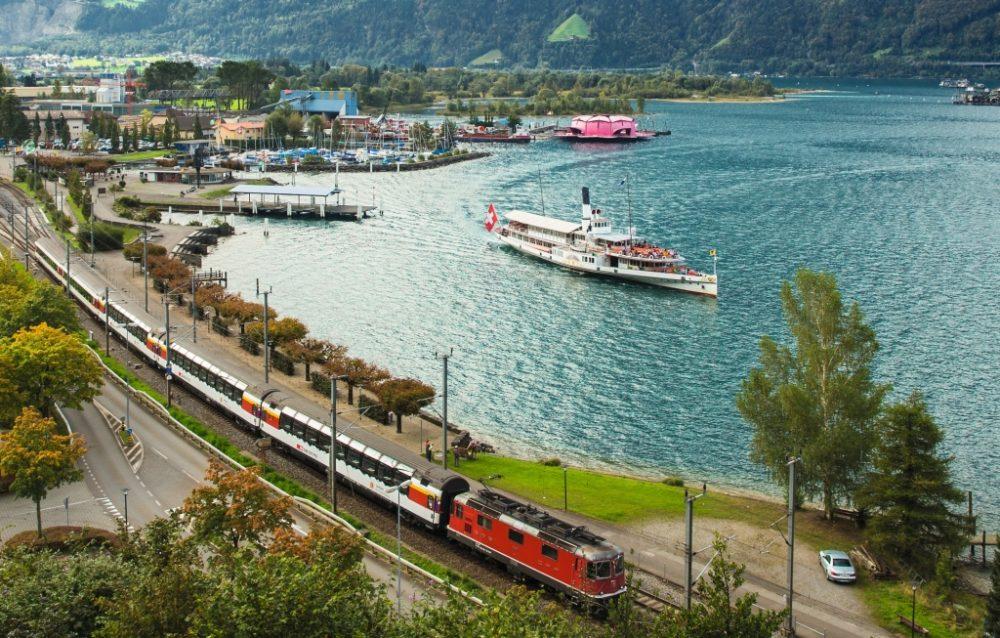 Gotthard Panorama Express - Panoramazug und Dampfschiff