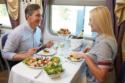 Romantisches und entspanntes Mittagessen im Zarengold